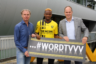 (Photo Confirmation) Arsenal Loan Out Nigerian Wonderkid Nwakali To VVV Venlo