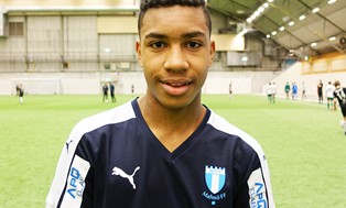 Manchester United Set The Ball Rolling To Sign Malmo Wonderkid