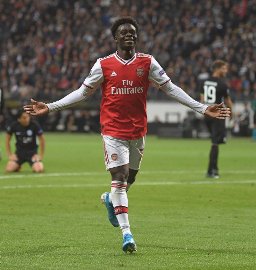 Arsenal Coach Hails Saka After Teenager Announces His Arrival To The World
