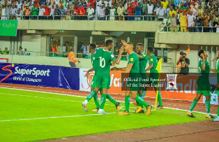 Rohr Praises Moses For Contribution To Iwobi's Goal, Squad Jet Out Of Uyo