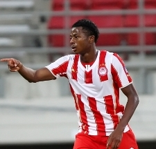 Olaitan's collapse on pitch : Ex-Nigeria U20 star admits he was tired after facing Manchester United