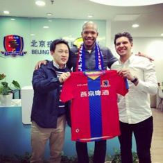 (Photo Confirmation) Nigerian-Brazilian Striker Dom Joins Beijing Enterprises Group