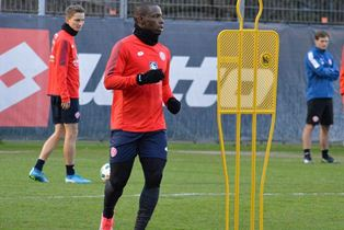 (Photo) Eagles Striker Starts Training With Mainz, Gets # 20 Shirt