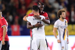 Two New Signings Debut As Manchester United Thrash LA Galaxy 5-2 In Friendly