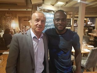 Nigeria Coach Visits Chelsea Dazzler Moses In London, NFF Boss Checks On Wolves' Ikeme