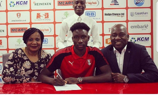 (Photo Confirmation) Nigerian Striker Pens New Deal With Rotherham United