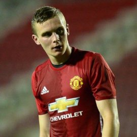 Official : Hard-working Midfielder Pens New Contract With Manchester United
