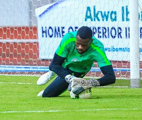 Super Eagles First Choice Goalie Uzoho Posts Shutout On League Debut For Elche